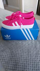Brand new in box Adidas Originals Nizza trainers