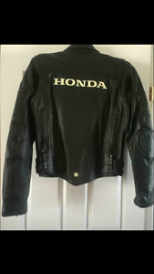Selling a xl  women's leather motorcycle jackets