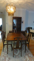 Dining Room Table,hutch and buffet