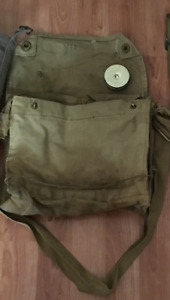 Ww2 Canadian gas mask bag and anti dimming can with cloth