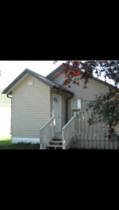 Cozy House For Rent In Donalda.