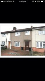 4 Bedroom terraced house in the centre of Slough (AVAILABLE FROM 1ST FEB)