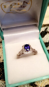 Rare tanzanite ring with baguettes