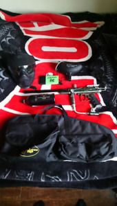 Spyder Rodeo Paintball Marker package.