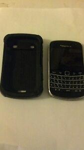 blackberry bold 9900 déverrouillé avec étui très robuste