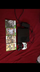 Mint condition Xbox 360 with 4 games