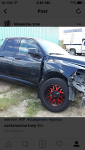 2016 Dodge Ram 1500 v6 wrecked on one side/for sale for parts