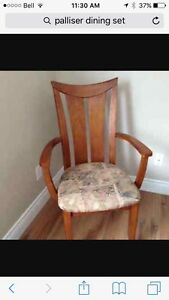 Solid wood table with leaf and 6 chairs Strathcona County Edmonton Area image 2