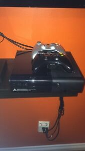 XBOX 360 E console + games and Kinect