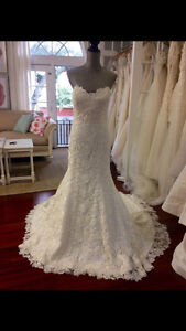 Wedding dress brand new & rare by Simone Carvalli for YOU!