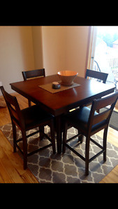 Dining Table/Bar Table and 4 chairs - Counter Height