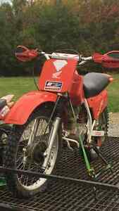 Honda Xr 200 dirt bike