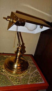 Brass Banker's Lamp, good condition - in Bowser