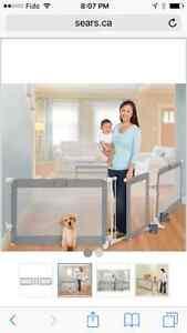 Full child gate with door