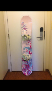 Snowboard, boots, binding + Gear