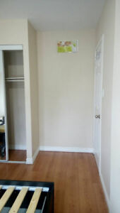 1 bed for rent on Main and Dundurn