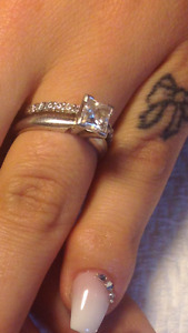 1.02 carat diamond with titanium band