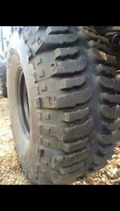Bogger mud tires 38.5s for sale 1800$