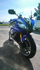 Beautiful blue Yamaha R6 - excellent condition, many upgrades!