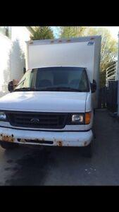 Ford E450   Cube van   18 pied / feet, diesel