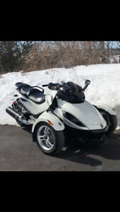 2012 Canam Spyder RS. Has extended warranty until 2022