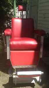 PRICE REDUCED! Very cool vintage barber chair for sale Regina Regina Area image 1