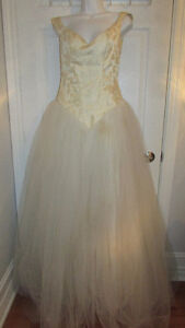 Work At Home~How To Start A Rental Wedding Gown Business Booklet