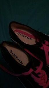 Air walk shoes 8.5