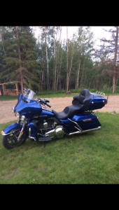 2015 Harley Ultra Low with only 2400kms