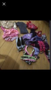 Large garbage bag full of girl clothes sz 6,7&8 over 100 items,