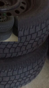 Winter Tires 225/70/R16 on RIM & COVERS READY TO USE