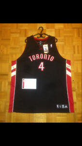 SIGNED OFFICIAL TORONTO RAPTORS CHRIS BOSH JERSEY WITH COA!
