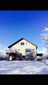5 Bed 3 bath Acerage on 2.71 Acres with Dbl Heated Garage !!