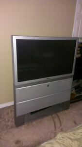 """Samsung 42"""" rear projection TV and DVD player"""