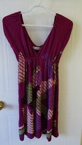 Womens brand name clothing (size S-L) $5/item except for 2 Saint-Hyacinthe Québec image 7