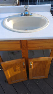 Smal Old Oak Bathroom Vanity, Sink, Faucets, Counter Top