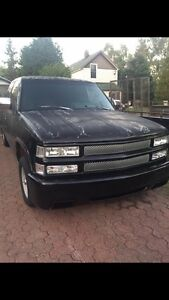 PARTING OUT - 1992 Chev Truck