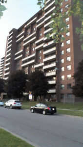 BIG AND CHEAP  CONDO APARTMENT FOR SALE IN TORONTO,