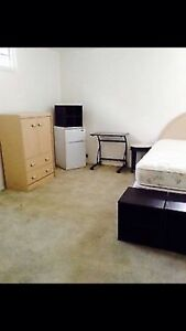 NW GREAT LOCATION. 2 RMS AVAIL. PETS &STORAGE NEG
