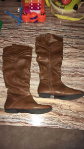 Brown Boots PRICE LOWERED