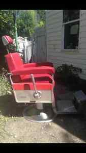 PRICE REDUCED! Very cool vintage barber chair for sale Regina Regina Area image 3