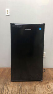 Mini Fridge Hamilton Beach Like New