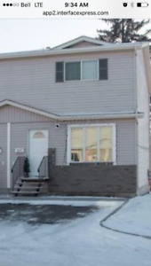 4 bedroom townhouse for rent $1600