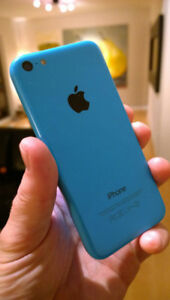 iphone 5c, like new condition, + Otterbox defender case