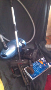 Simplicity Canister Vacuum,