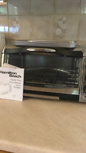 Toaster/Convection Oven- Great to beat the summer heat!