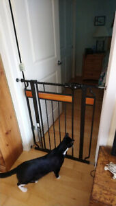 Regalo Home Accents Extra Tall and Wide Walk Thru Baby Gate