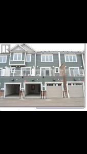 Brand new Minto condo townhouse 2 bed ground floor
