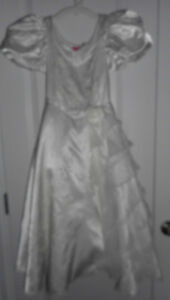 Girl's size 5/6 White Dress