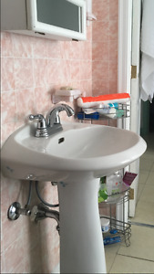 Pedestal sink with faucet/taps